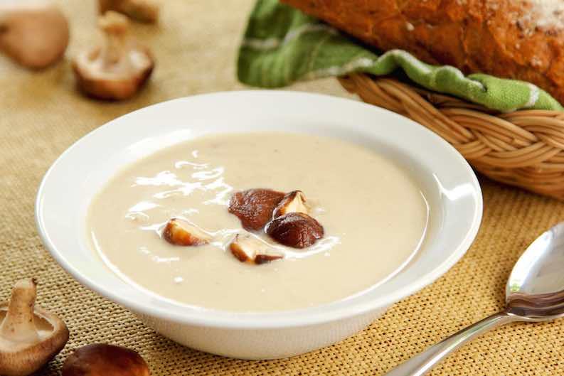 veganism - inexpensive mushroom soup