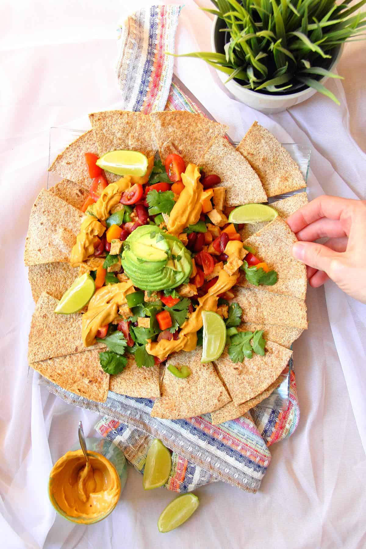Healthy nachos with tofu