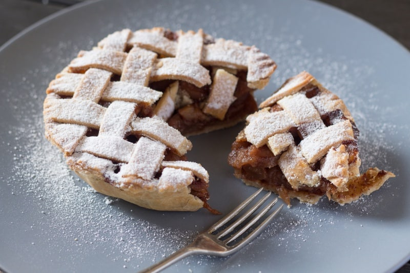 Plant-based lattice apple pie