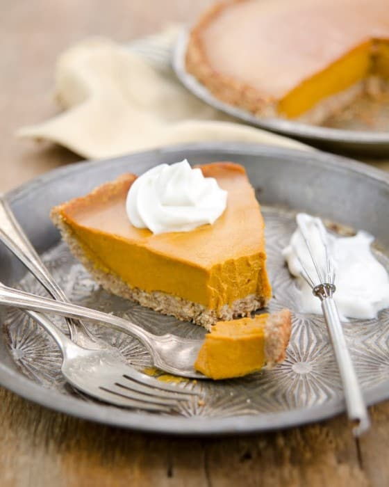 Plant-based pumpkin pie