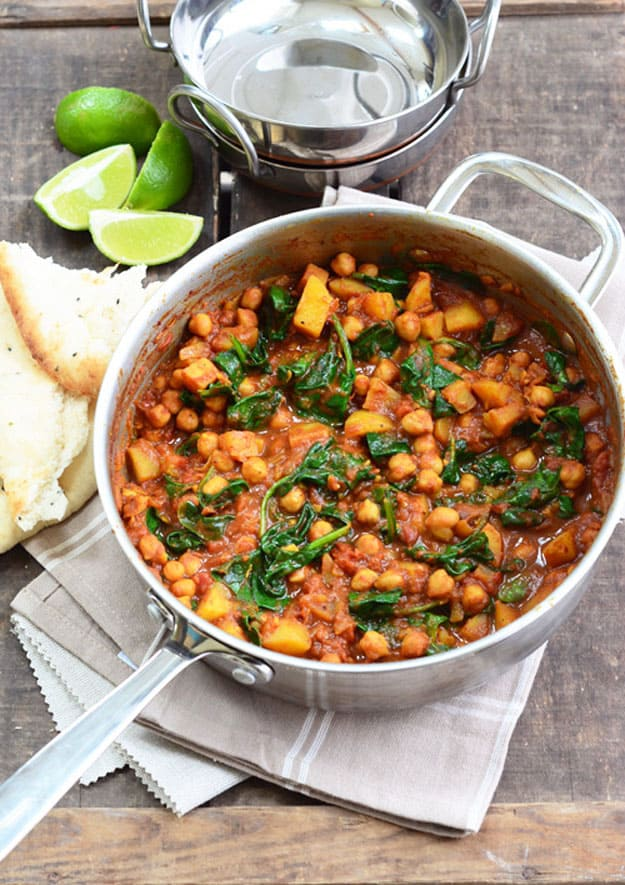 Chickpea and spinach curry (saag chana recipe vegan)