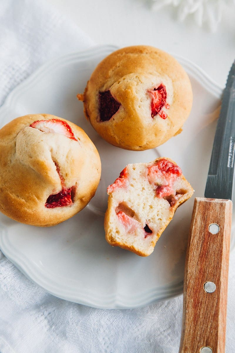 Low-fat vegan muffins strawberry