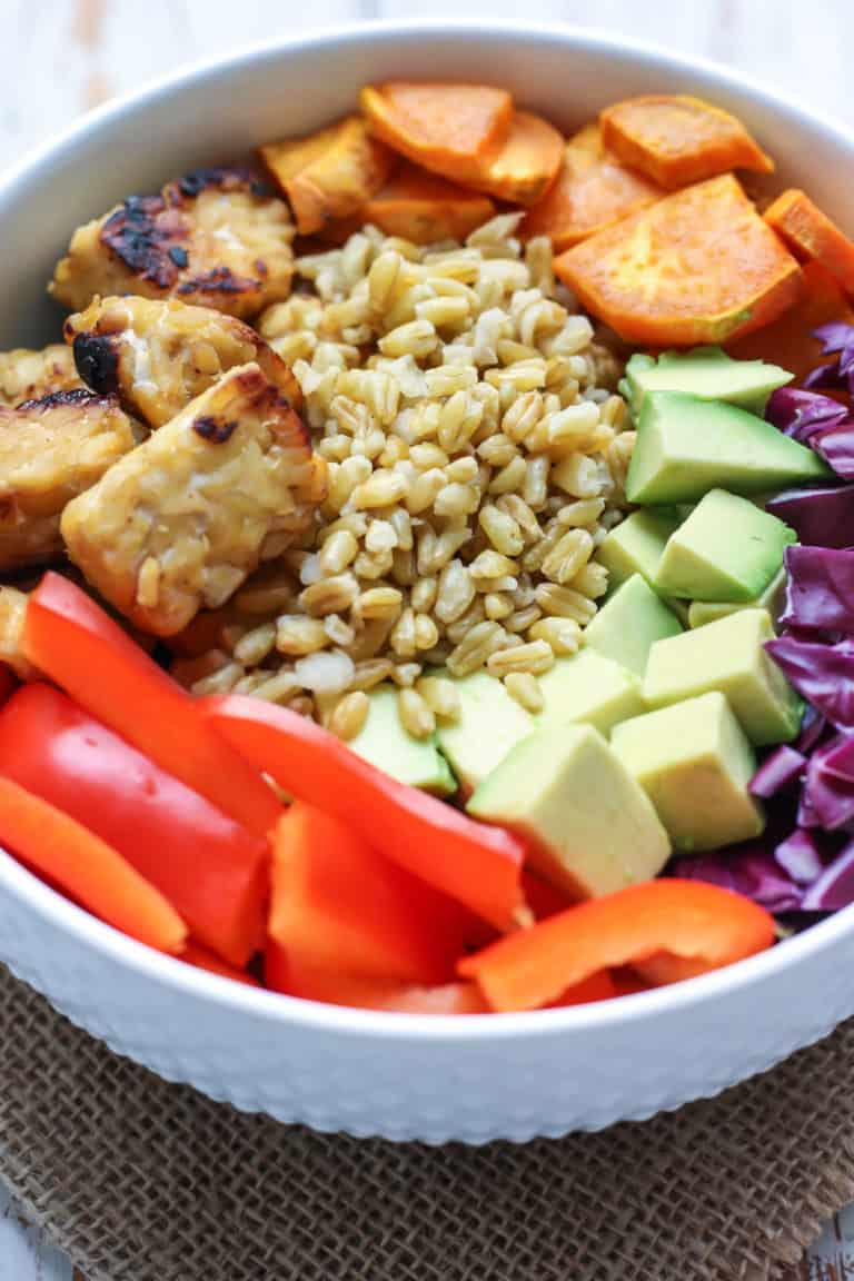 Thai Tempeh Buddha Bowl - healthy vegan lunch ideas