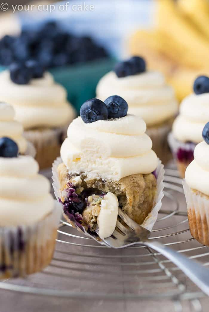 Vegan cupcake recipes - banana and blueberry