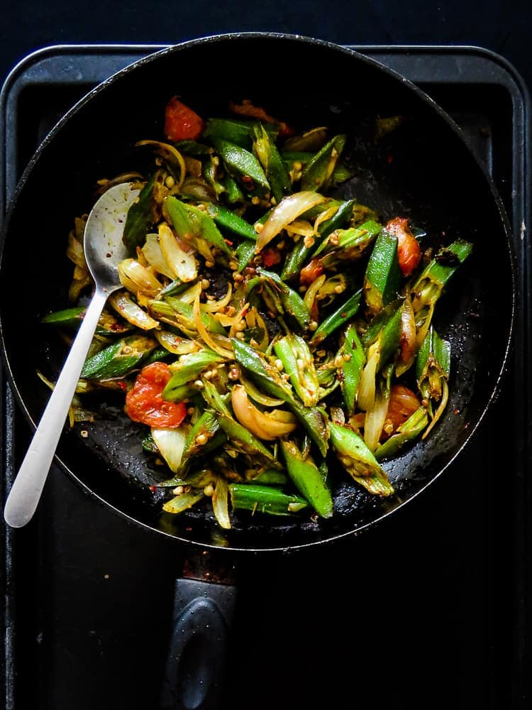 Vegan stir-fried okra lady's fingers