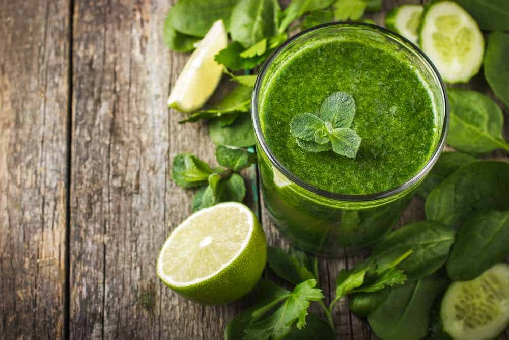 spinach smoothie with lime