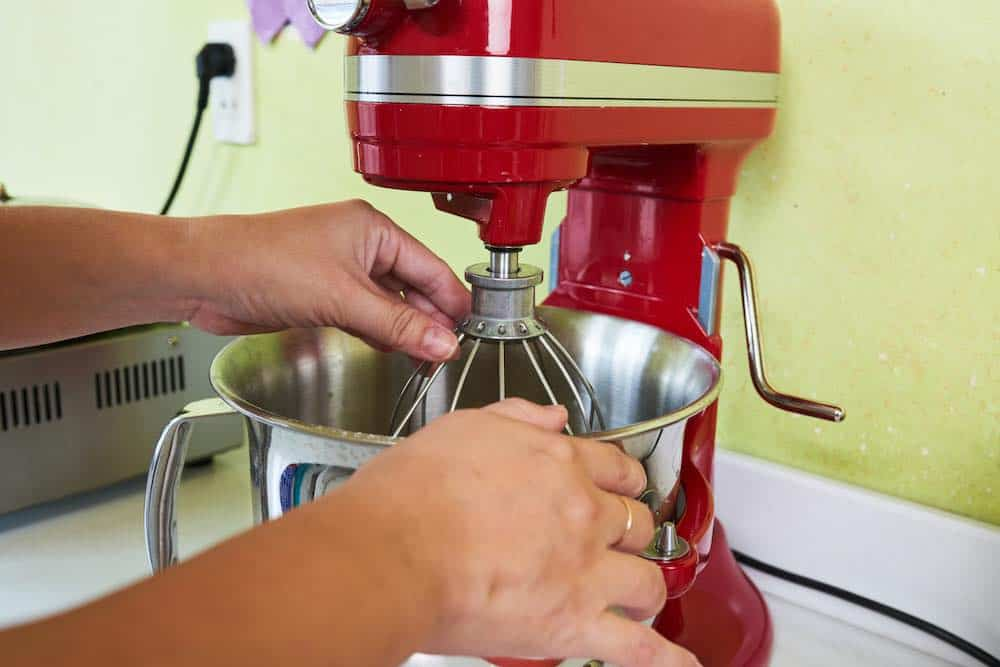 red stand mixer - reviews and buying guide