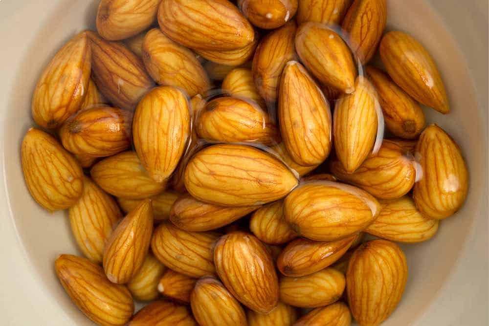 water soaking almonds